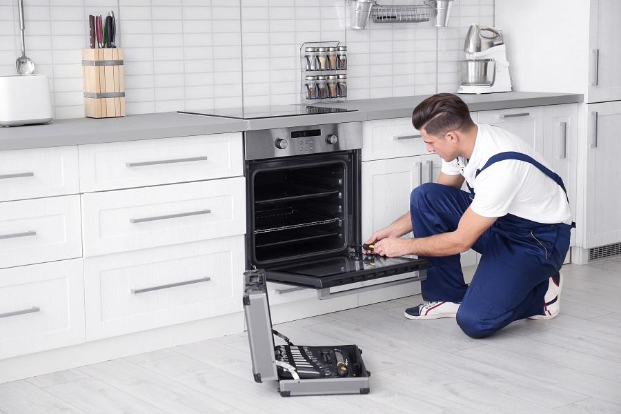 Best oven repair technician servicing oven Perth